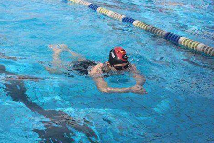 自由泳姿势